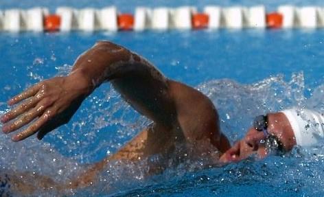 Hasta 31 mayo: reserva en la piscina cubierta de La Ribera